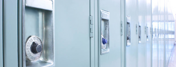 Between Two Lockers With Jennifer E. Smith