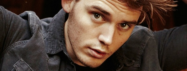 Is Sam Claflin Hot Enough To Play Finnick?