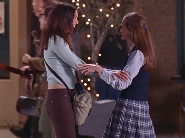 The GILMORE GIRLS Rewatch Project: Love, Crazies And Troubadours
