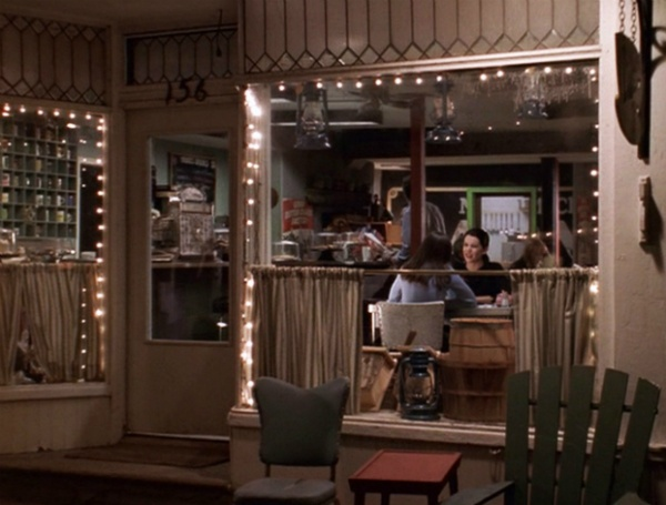 The GILMORE GIRLS Rewatch Project: Coffee, Golf And Chilton